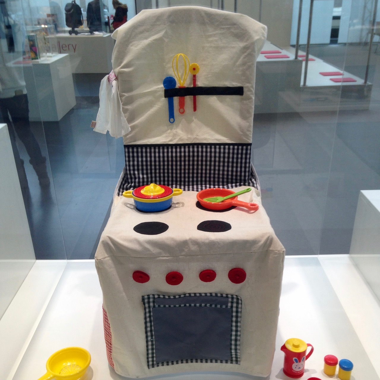 In the Trend Gallery, a kitchen play area created from a chair