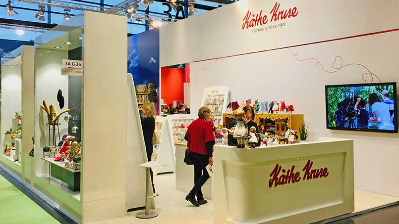 Kathe Kruse booth entrance messe 2019